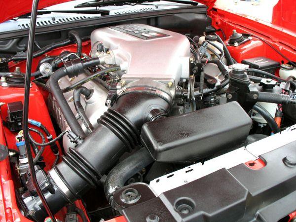 5.4 L 4-valve DOHC V8 installed in a 2000 Ford Mustang SVT Cobra R