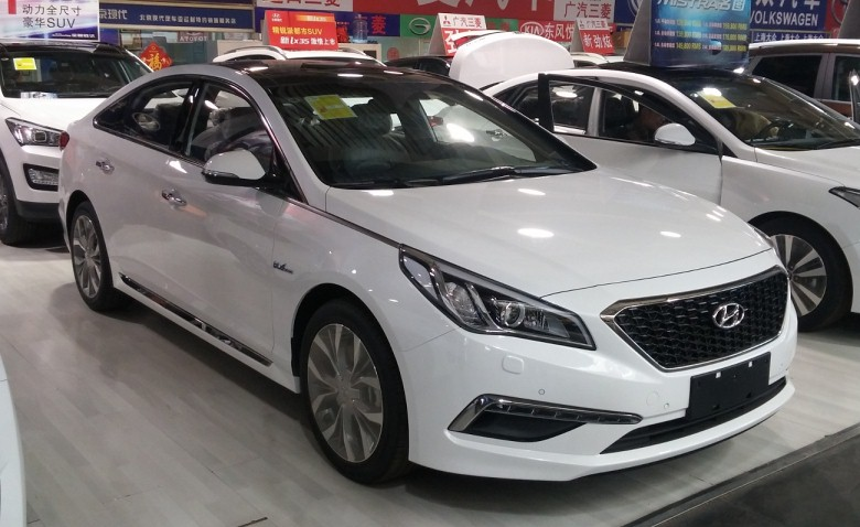 hyundai sonata in dealer showroom